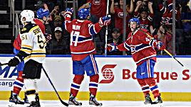 """Вторник. Квебек. """"Монреаль"""" - """"Бостон"""" - 4:3. Дэниэл КЭРР (№43) и Александр РАДУЛОВ (№47) празднуют гол."""