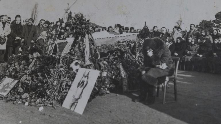 """Фотография с похорон Виталия Дараселии. Фото Юрий ГОЛЫШАК, """"СЭ"""""""