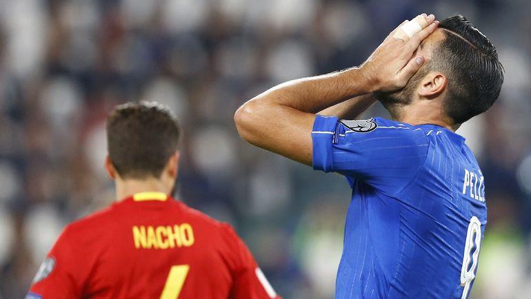 Грациано ПЕЛЛЕ (№9) не подал руку главному тренеру и теперь выведен из команды. Фото REUTERS