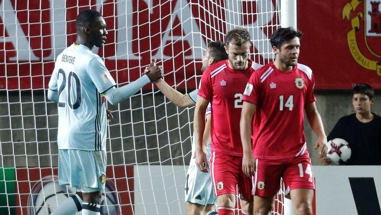 Понедельник. Фаро. Гибралтар - Бельгия - 0:6. Кристиан БЕНТЕКЕ (№20) забил самый быстрый гол в истории чемпионатов мира. Фото AFP