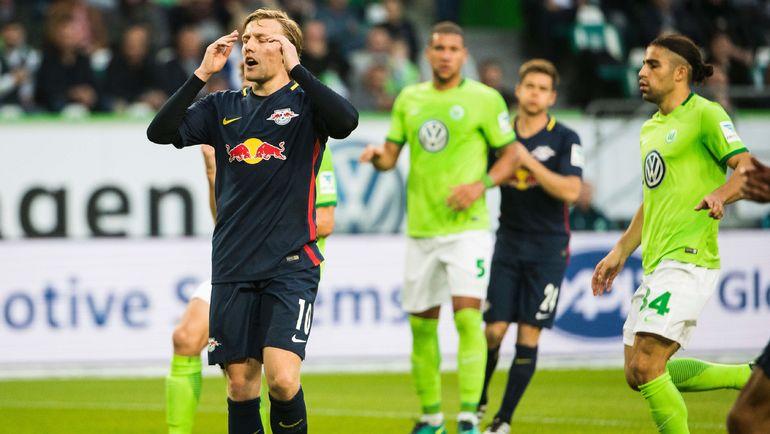 Эмиль ФОРСБЕРГ (№10) тоже не забил с точки, но исправился с игры. Фото AFP