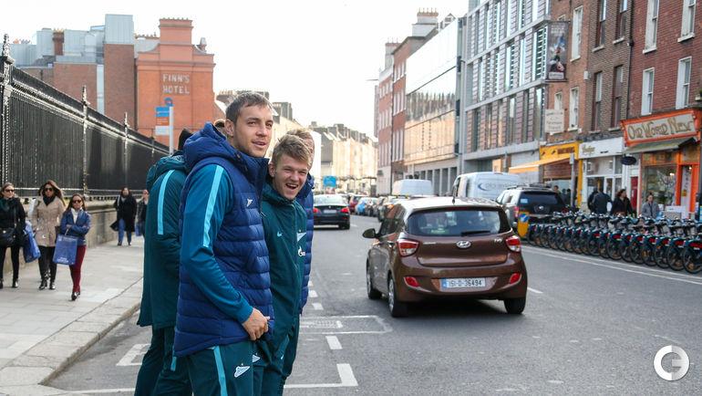 Сегодня. Дублин. Артем ДЗЮБА и Олег ШАТОВ на улицах ирландской столицы.