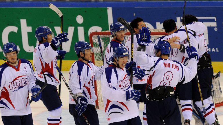 Корее стоит думать о том, как она будет играть в хоккей на домашней Олимпиаде. Фото AFP