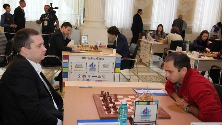 Александр РЯЗАНЦЕВ (справа) захватил лидерство на Суперфинале.