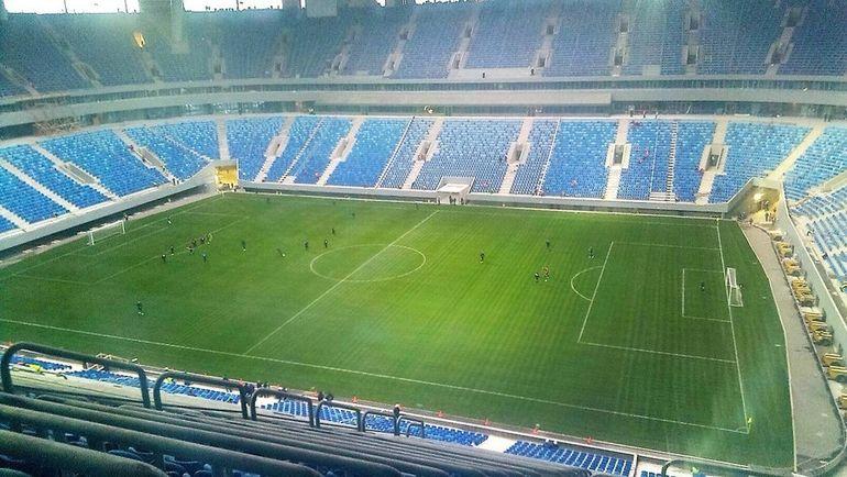 Сегодня. Санкт-Петербург. Первый матч на новой арене на Крестовском острове провели ее строители.