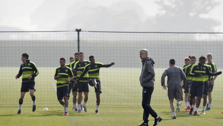 "Арсен ВЕНГЕР на тренировке ""Арсенала"". Фото AFP"