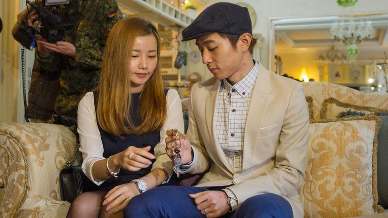 Виктор АН с женой Ю НА РИ в своем новогорском доме. Фото Антон СЕРГИЕНКО