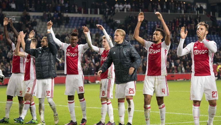 """Четверг. Амстердам. """"Аякс"""" – """"Сельта"""" – 3:2. Хозяева празднуют выход в плей-офф. Фото REUTERS"""