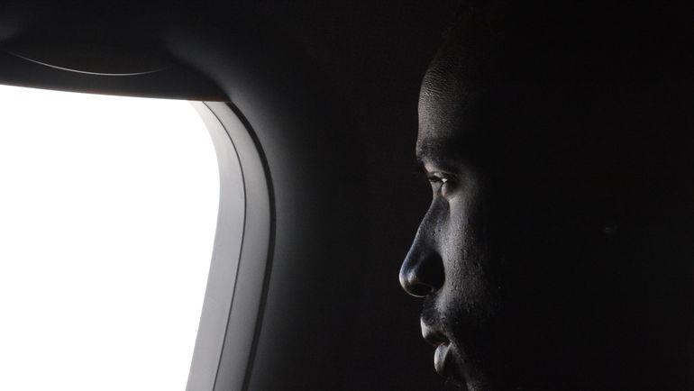 """Ласина ТРАОРЕ на борту самолета по пути в Монако. Фото Александр ФЕДОРОВ, """"СЭ"""""""