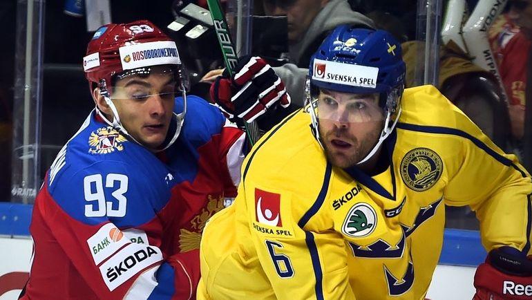 Сегодня. Хельсинки. Россия - Швеция - 3:2. Николай ПРОХОРКИН (слева) был очень активен и в конце шведы заработали на нем удаление. Фото AFP