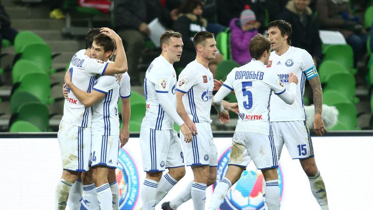 """Воскресенье. Краснодар. """"Краснодар"""" - Оренбург"""" - 3:3. Гости празднуют один из голов. Фото Виталий ТИМКИВ"""