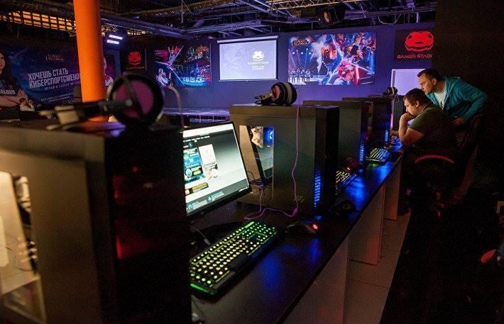 Ярослав Комков рассказал, чем отличается его детище от обычного компьютерного клуба и поделился стратегией развития новой индустрии. Фото leagueoflegends.com