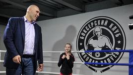 Валуев пропустил удар на ринге от десятилетней девочки
