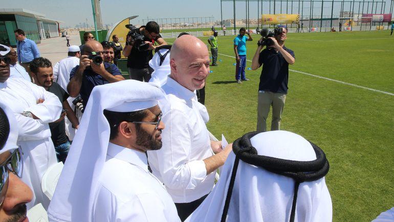 Глава ФИФА Джанни ИНФАНТИНО с инспекцией в Дохе. Фото REUTERS