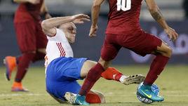Сегодня. Доха. Катар - Россия - 2:1. Полузащитник Денис ГЛУШАКОВ против ЛУИЗА МАРТИНА.