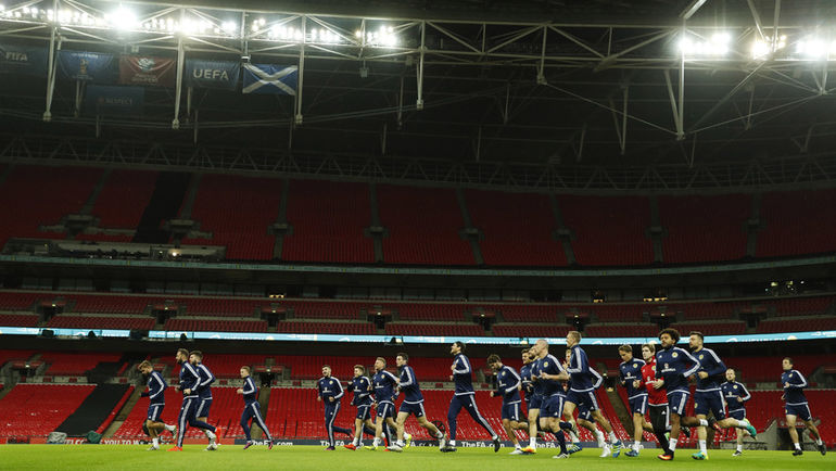 """Тренировка сборной Шотландии на """"Уэмбли"""". Фото REUTERS"""