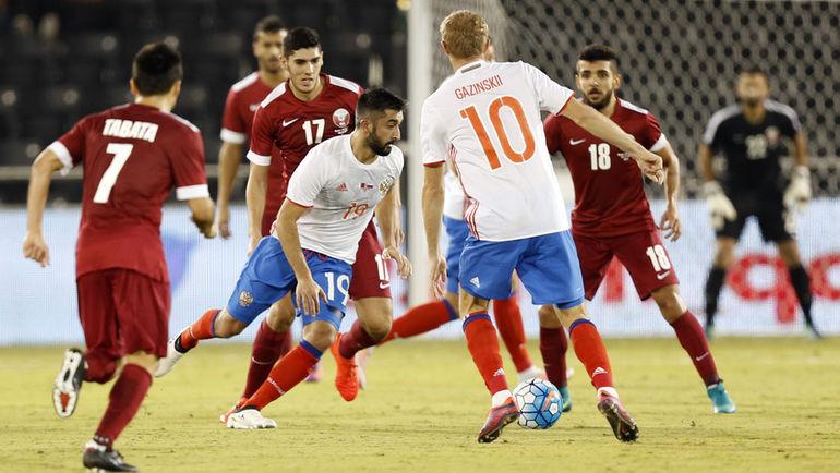 Вчера. Доха. Катар - Россия - 2:1. С мячом Александр САМЕДОВ. Фото AFP