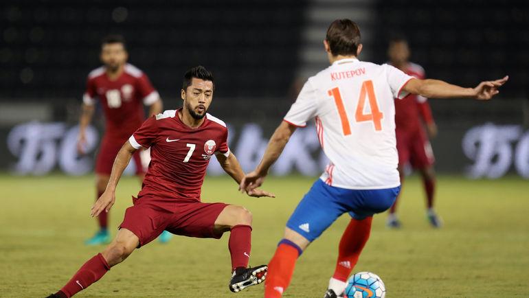 Вчера. Доха. Катар - Россия - 2:1. Родриго ТАБАТА и Илья КУТЕПОВ. Фото AFP
