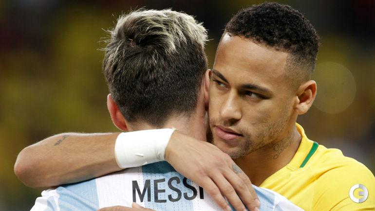 Сегодня. Белу-Оризонти. Бразилия – Аргентина – 3:0. Лионель МЕССИ (слева) и НЕЙМАР.