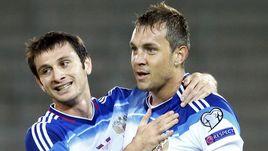 Алан ДЗАГОЕВ (слева) и Артем ДЗЮБА не смогли сыграть за сборную России.