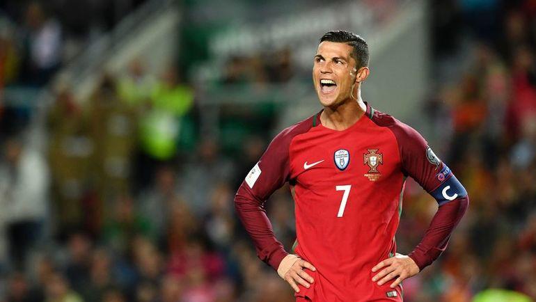Воскресенье. Фару. Португалия - Латвия - 4:1. Криштиану РОНАЛДУ оформил дубль, но не реализовал пенальти. Фото AFP