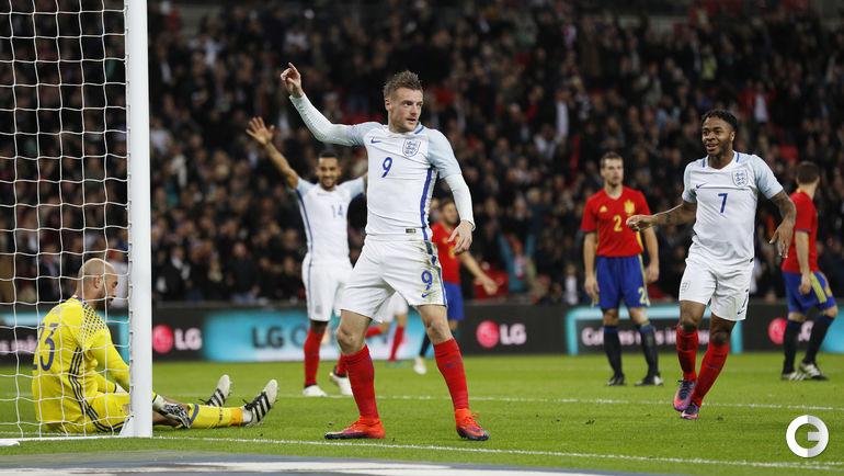 Вторник. Лондон. Англия – Испания – 2:2. Джейми ВАРДИ празднует забитый гол, устроив флешмоб Mannequin Challenge.