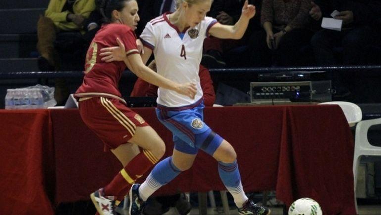Вторник. Сьюдад-Реал. Россия - Испания - 0:1. Александра САМОРОДОВА (№ 4) против Литисии САНЧЕС.