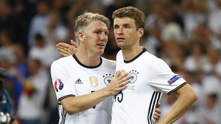 Euro-2016. Бастиан ШВАЙНШТАЙГЕР (слева) и Томас МЮЛЛЕР. Фото REUTERS