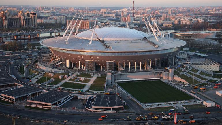 Октябрь. Вид на строящийся стадион на Крестовском острове. Фото Антон ВАГАНОВ/ТАСС