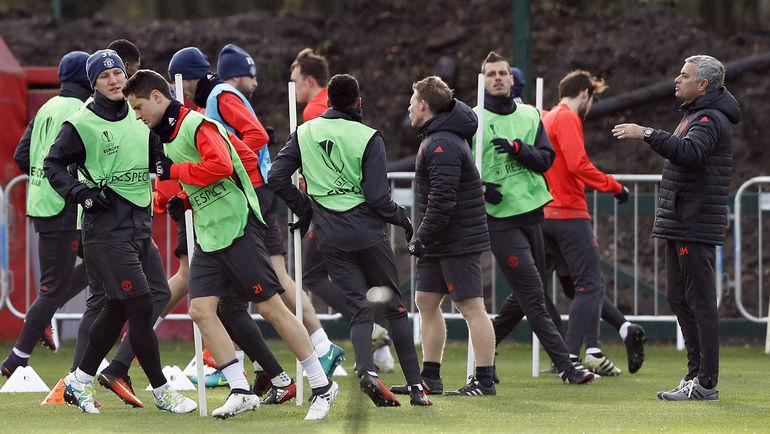 """""""Манчестер Юнайтед"""" готовится к решающему поединку с """"Фейеноордом"""". Фото Reuters"""