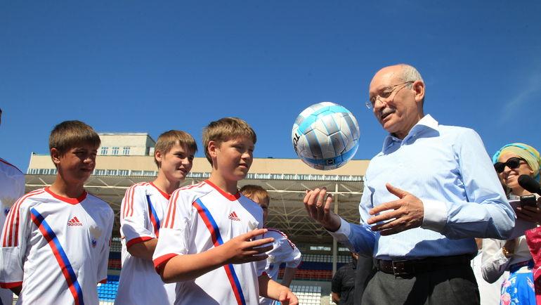 Для главы Башкирии Рустэма ХАМИТОВА футбол важен.