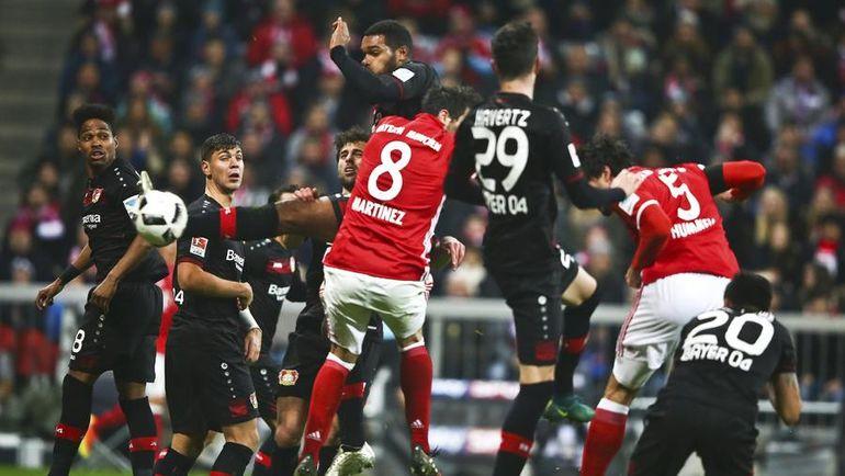 """Суббота. Мюнхен. """"Бавария"""" - """"Байер"""" - 2:1. Матс ХУММЕЛЬС забивает победный гол. Фото Reuters"""