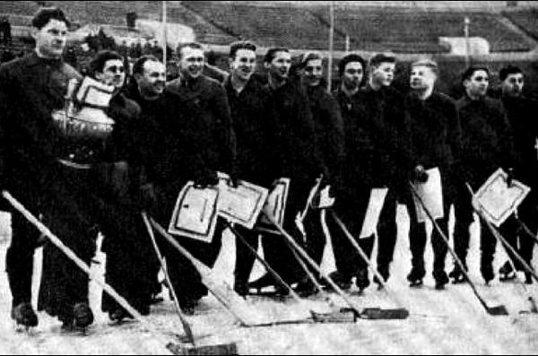 Команда Василия Сталина. Фото 22-91.ru