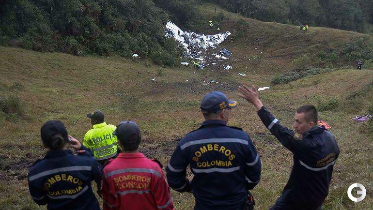 """Сегодня. Место крушения самолета с бразильской командой """"Шапекоэнсе"""" в Колумбии."""
