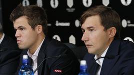 Победитель матча за шахматную корону между Магнусом КАРЛСЕНОМ (слева) и Сергеем КАРЯКИНЫМ решится на тай-брейке.