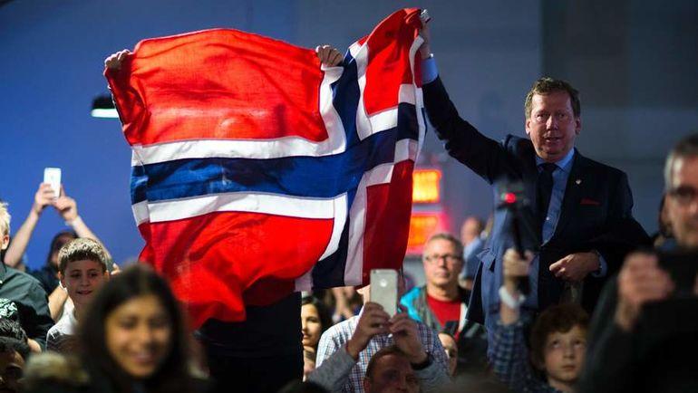 Среда. Нью-Йорк. Болельщики Магнуса Карлсена празднуют его победу над Сергеем Карякиным. Фото AFP