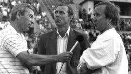1991 год. Евгений МАЙОРОВ (слева) интервьюирует Павла САДЫРИНА (справа) и Олега РОМАНЦЕВА.