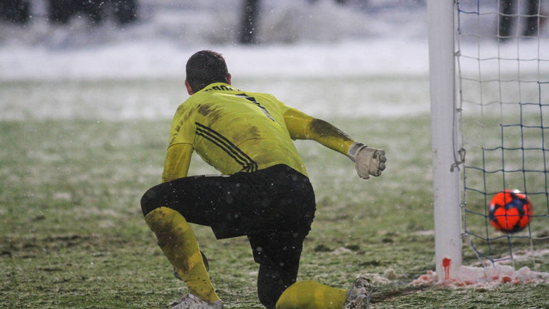 Самара и другие города погружаются в зиму, но по-прежнему принимают матчи чемпионата. Фото Юрий СТРЕЛЕЦ
