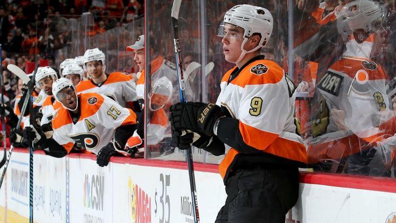 """Суббота. Филадельфия. """"Филадельфия"""" - """"Чикаго"""" - 3:1. Иван ПРОВОРОВ (№9) оформил первый дубль в НХЛ. Фото AFP"""