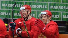 Сергей МОЗЯКИН и Павел ДАЦЮК - одни из самых опытных хоккеистов сборной России.