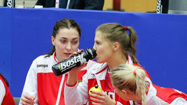 Среда. Хельсинборг. Румыния - Россия - 22:17. Россиянки потерпели первое поражение на чемпионате Европы.