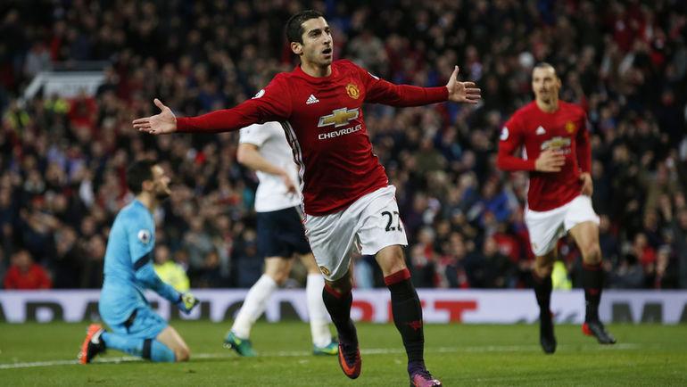 """Воскресенье. Манчестер. """"Манчестер Юнайтед"""" - """"Тоттенхэм"""" - 1:0. Генрих МХИТАРЯН празднует свой первый гол в Англии, ставший победным для его команды. Фото REUTERS"""