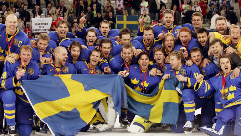 2006 год. Турин. Сборная Швеции - победитель Олимпиады. Фото REUTERS