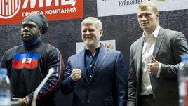 Вторник. Москва. Александр ПОВЕТКИН (справа), Андрей РЯБИНСКИЙ (в центре) и Бермейн СТИВЕРН.