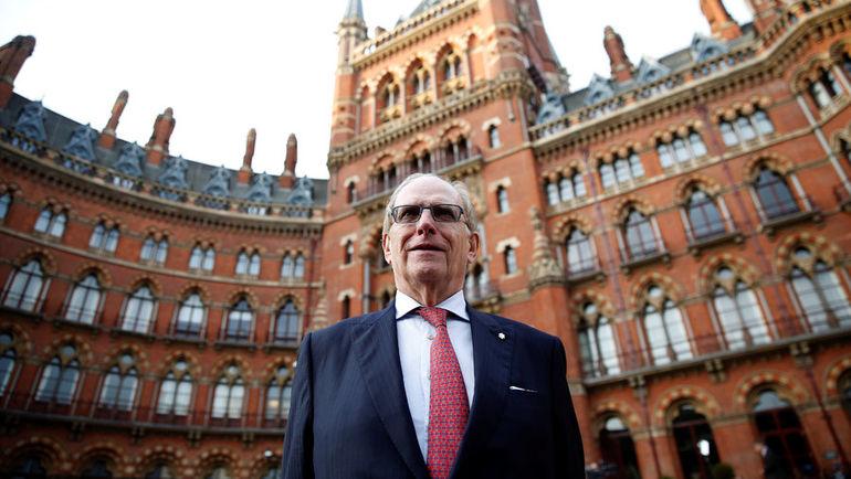 9 декабря. Лондон. Ричард МАКЛАРЕН после представления второй части своего доклада. Фото Reuters