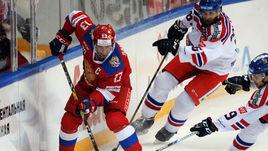 Сегодня. Москва. Россия – Чехия – 5:1. Звено Павел ДАЦЮК (слева) был одним из лучших в этой игре.