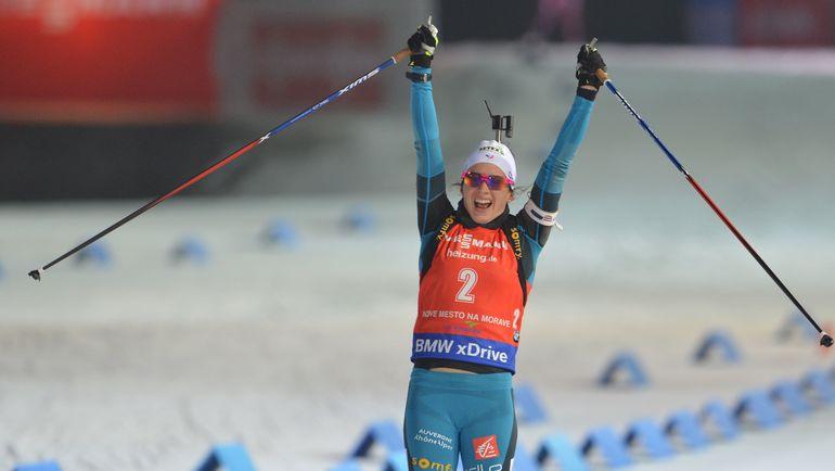 Анаис ШЕВАЛЬЕ - победительница гонки преследования. Фото AFP