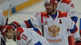 Сегодня. Москва. Россия - Финляндия - 4:3. Илья КОВАЛЬЧУК (справа) и Павел ДАЦЮК.