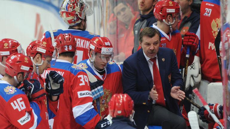Олег ЗНАРОК со своей командой. Фото Александр ФЕДОРОВ, «СЭ»
