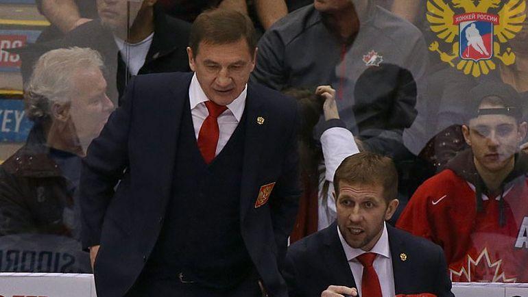 Главный тренер молодежной сборной России Валерий БРАГИН (слева). Фото Федерация хоккея России
